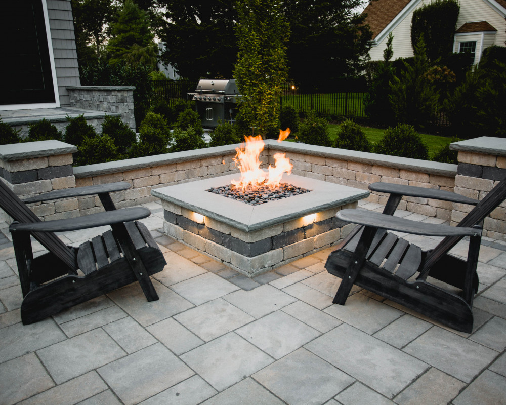 Enjoy your patio into the late hours of the night sitting around your fire feature. Extend your space with landscape lighting to add more interest and functionality when it becomes dark. Select natural gas for an easy start up and shut down with the option to adjust your flame to your liking.