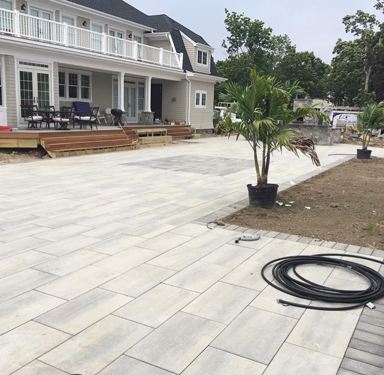 Techo-Bloc Blue Grande Slabs with a Blu 60 border. Beautiful, smooth look!