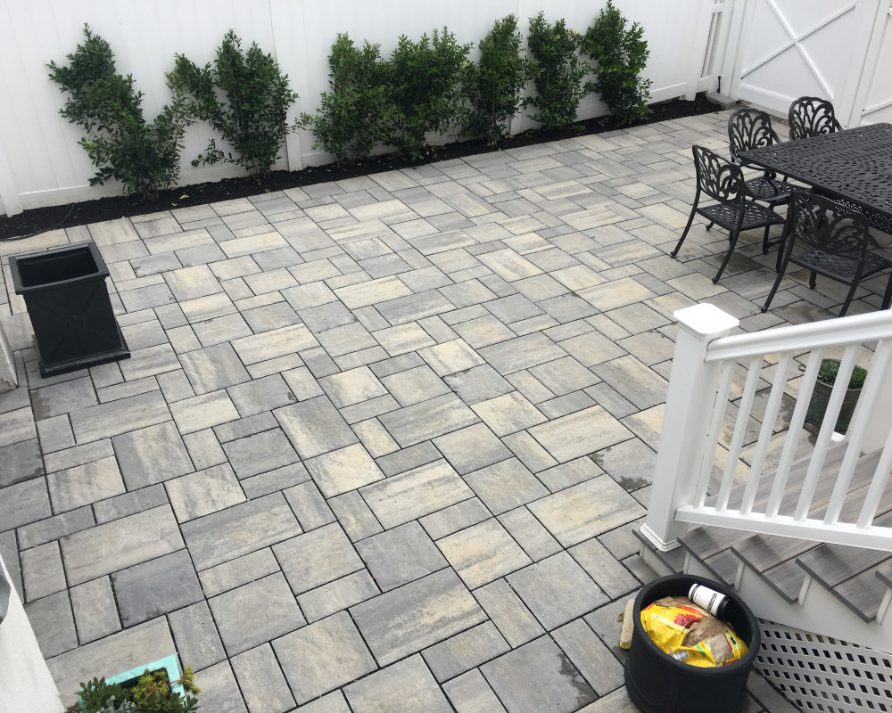 Driveway conversion to patio with side planters